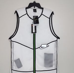Nike men's aerolayer vest.
